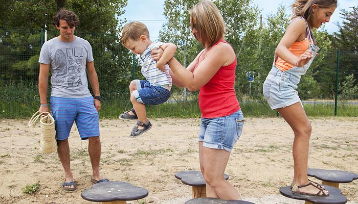 Sportuitrusting, pad, spring, geschikt voor kinderen, oefenterrein