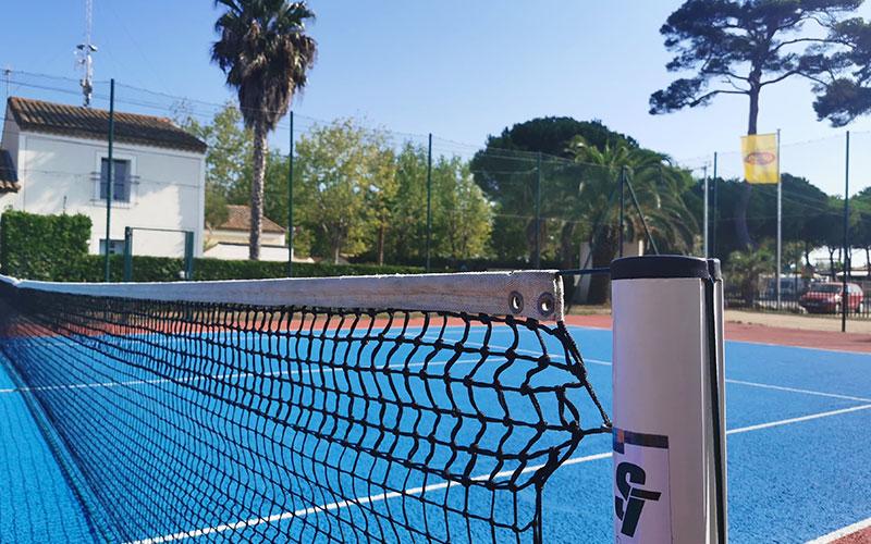 Camping avec animations court de tennis en accès libre