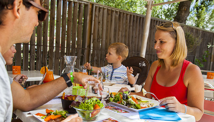 Family meals, with young children, affordable restaurant