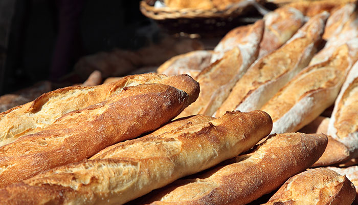 Fresh bread and pastries of the day, bread depot, artisanal bakery in Vias