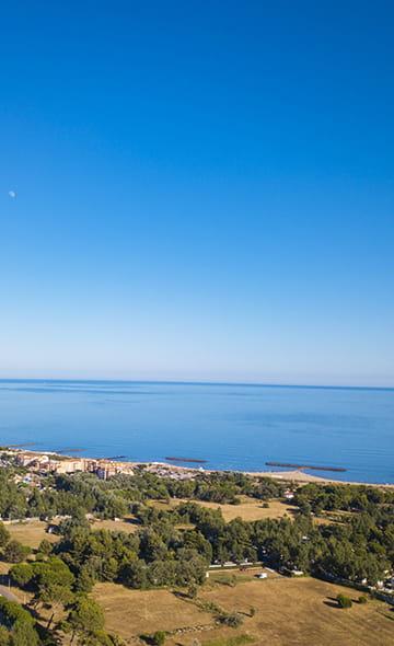 Mietunterkunft Mobilheim Ferein Vias Plage, Vogelperspektive mit Sicht aufs Meer, Ferien zwischen Land und Meer